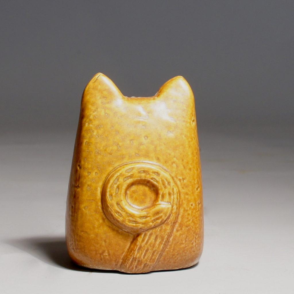 Lisa Larson for Gustavsberg, Sweden. Ceramic cat. Height 10cm.