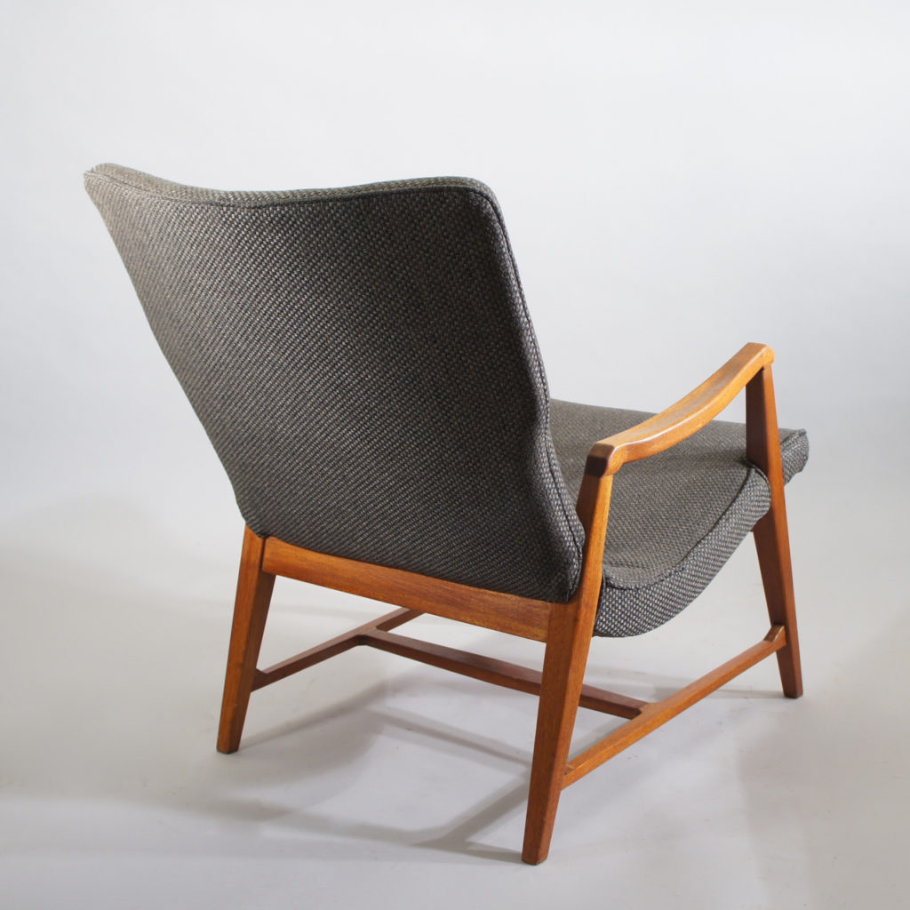 Carl Cederholm for Stil & Form, Sweden. Easy chair in new wool fabric and legs in wood. 1040-50's.