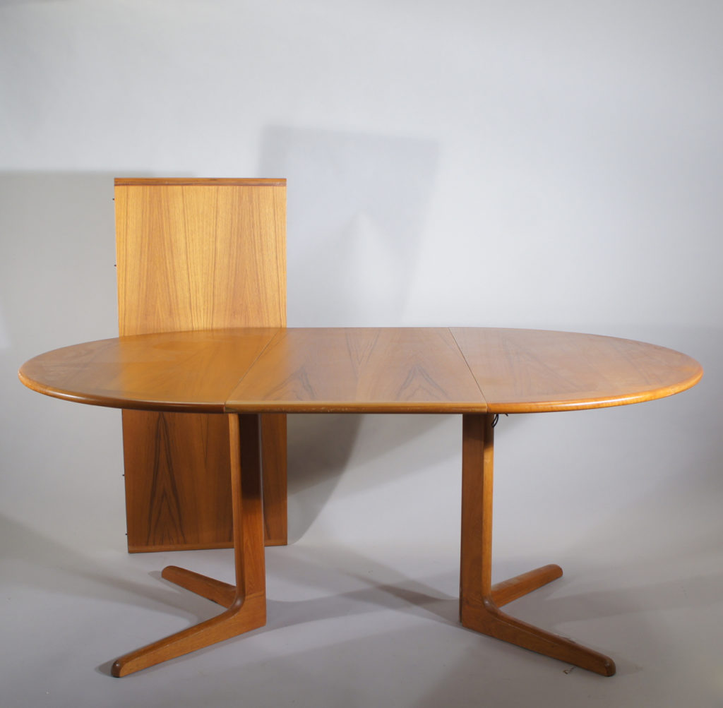 Dining table by Silkeborg, Denmark. Dining table i teak with two extesion boards. Diam 117, lenght 217, height 70 cm.