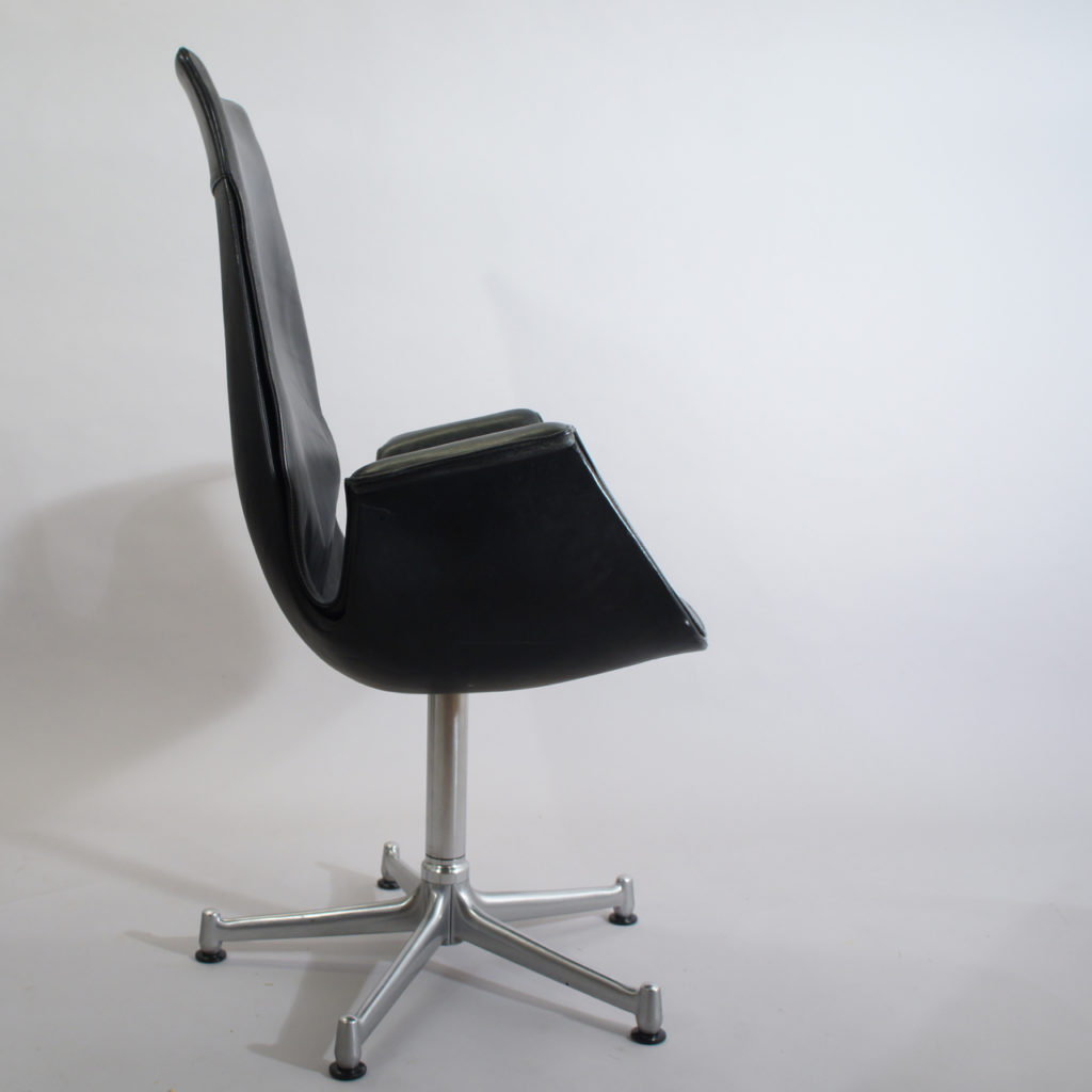 "Jørgen Kastholm & Preben Fabricius for Alfred Kill "" ""Tulip chair"". Office chair in leather with base in steel. Swivel function."