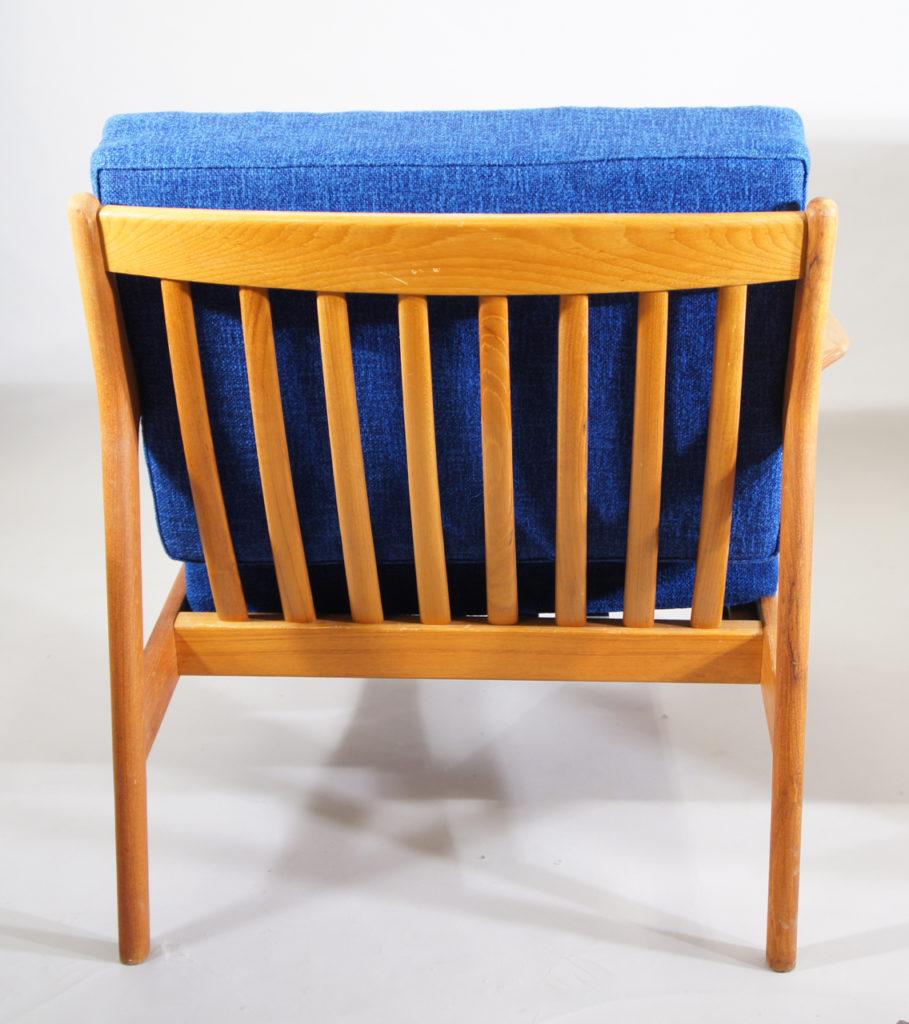 "Folke Olsson for Dux, Sweden. ""USA 75"". Easy chairs in teak. Fåtöljer"