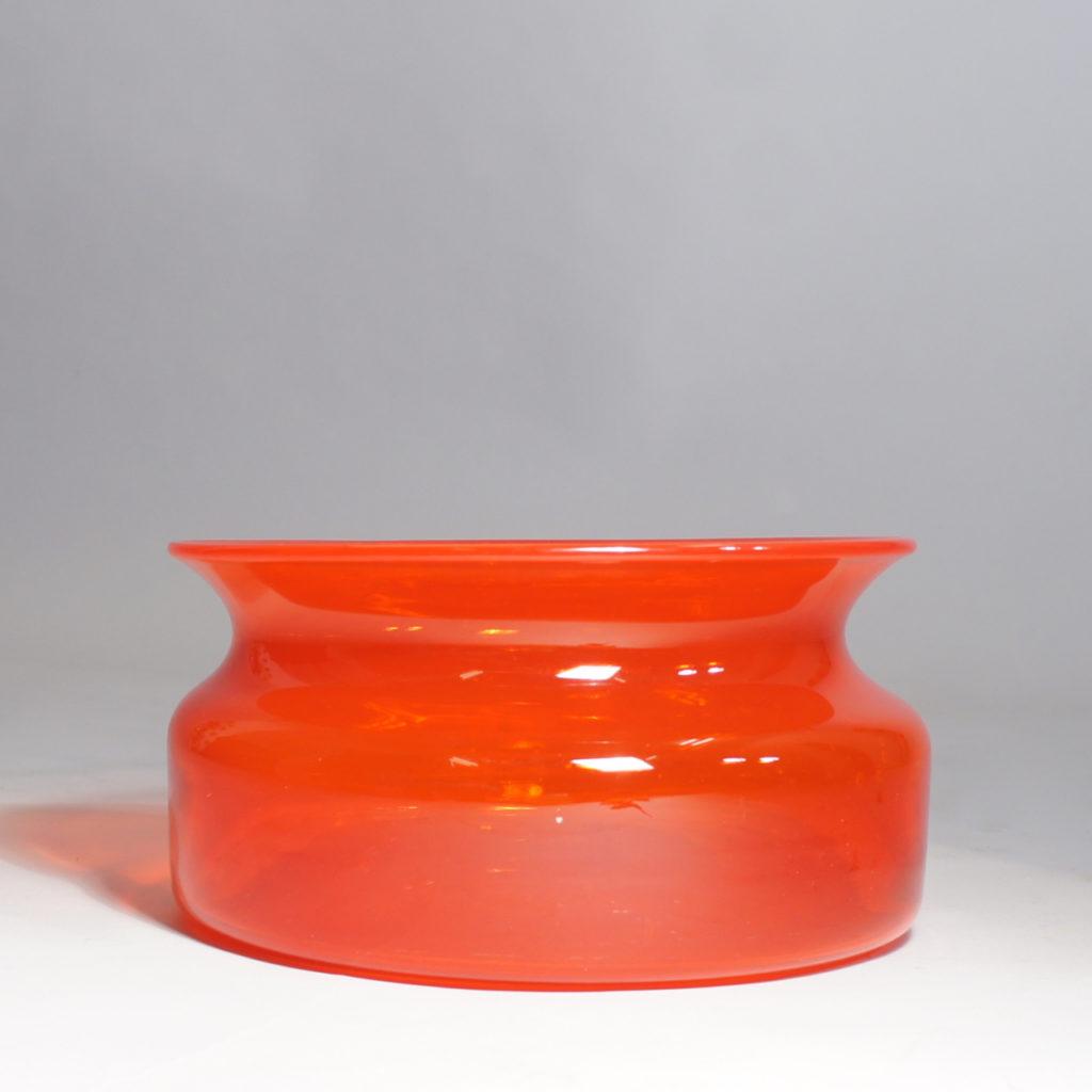 Erik Höglund for Kosta. Signed bowl in red glass.
