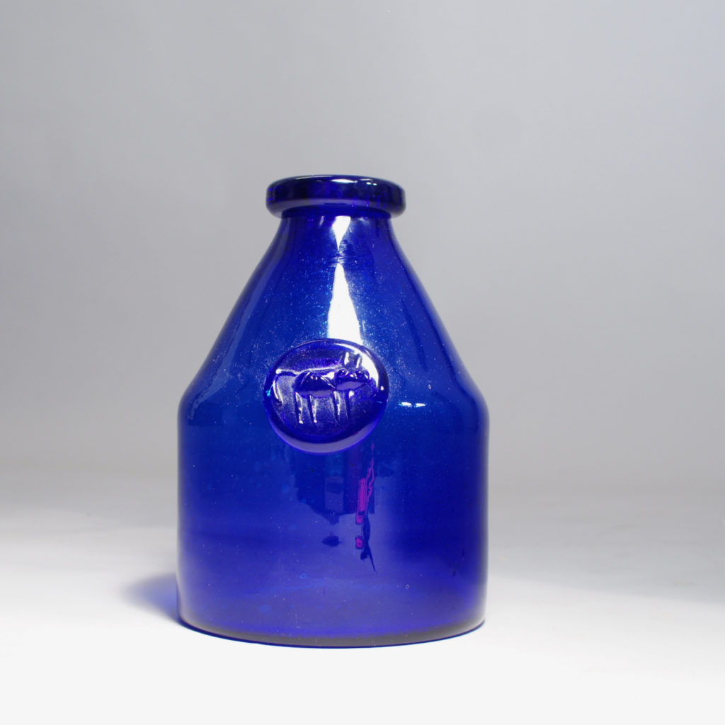 Erik Höglund for Kosta, Sweden, bottle/vase in glass.