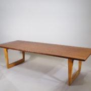 Børge Mogensen for Fredricia Møbler, Denmark. Mod 261. Coffee table in teak and oak.
